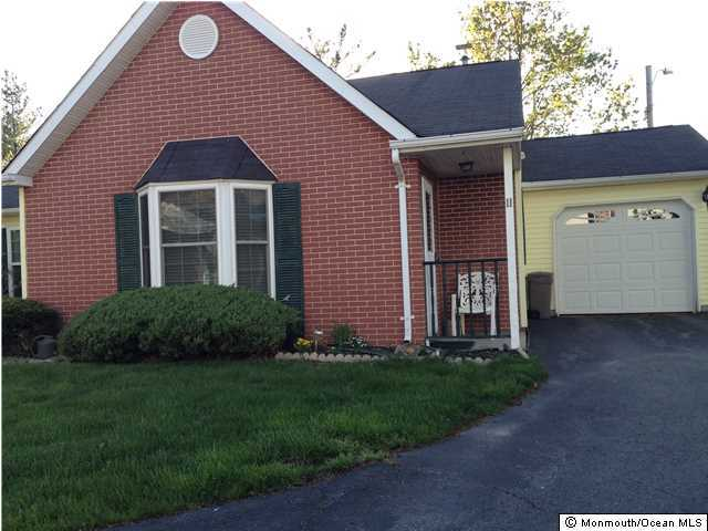 11 Kingston Close Freehold, NJ 07728   $165,000