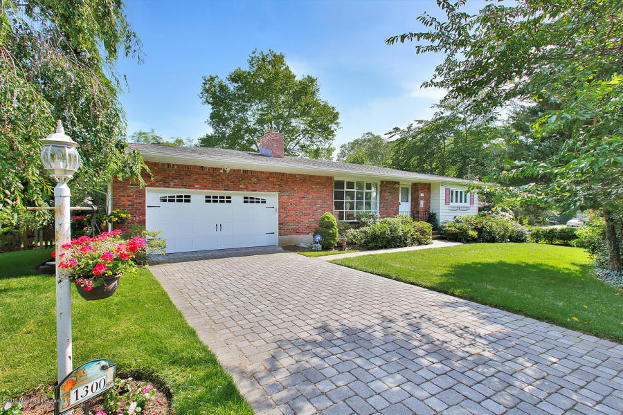 1300 Surrey Ln Spring Lake, NJ 07762    $475,000