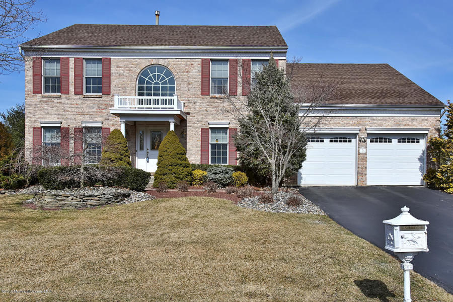13 Vardon Way Farmingdale, NJ   $520,000