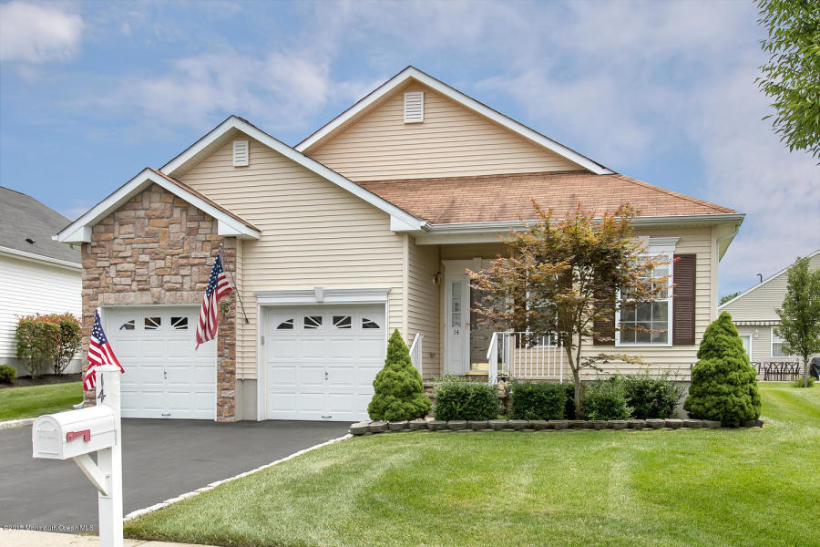 14 Snowberry Ln Howell, NJ 07731   $245,000