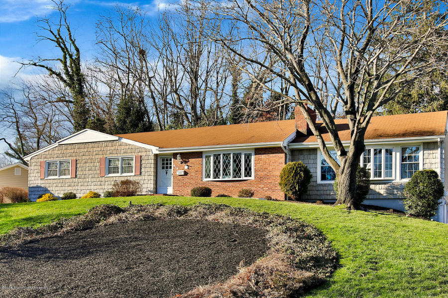 614 Valley Rd Brielle, NJ 08730   $579,350
